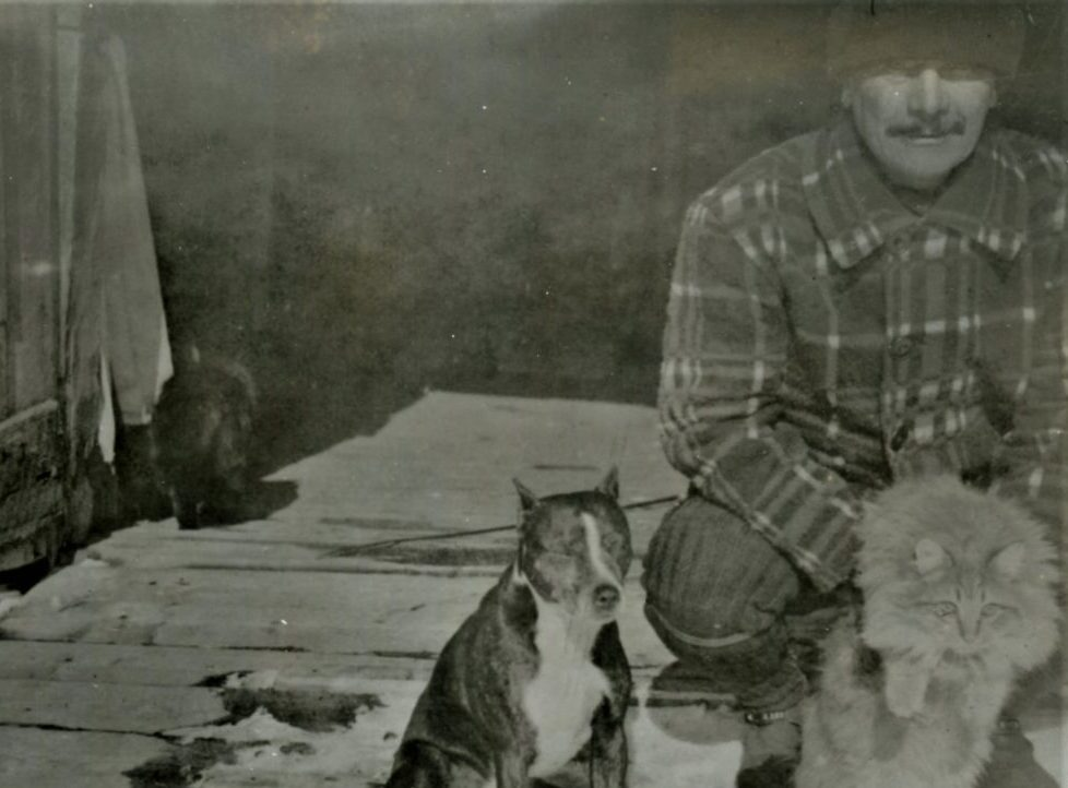 JIM WHYTE AND FRIENDS AT HIS CABIN, CA. WINTER 1905